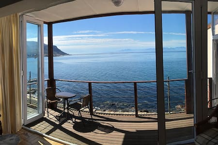 Spectacular views from this Sunny Cove apartment - 开普敦 - 公寓