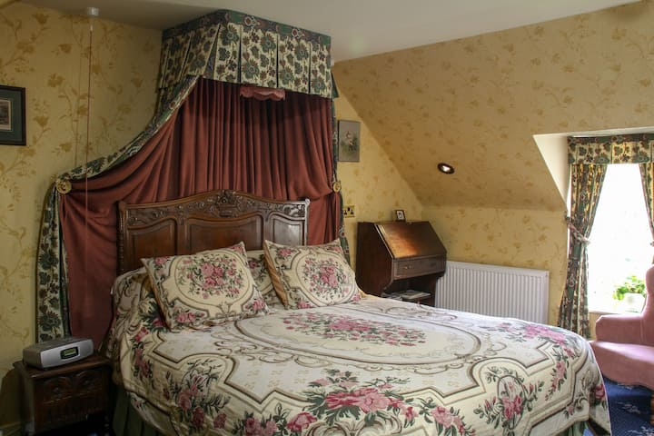 Larch, Creagan House, Bed & Breakfast, Strathyre