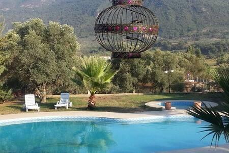 N:1 tek villa privative dans village turc