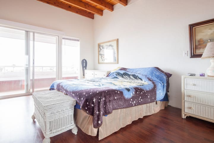 Private Room Sleeps 4- Rosarito Bch