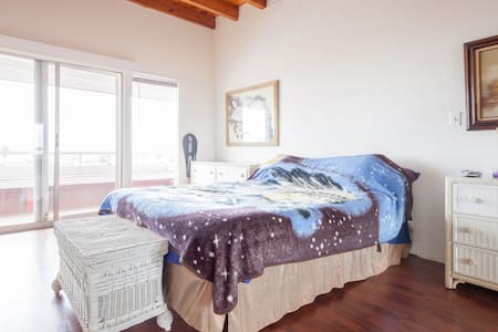 Private Room Sleeps 2- Rosarito Bch - Rosarito - Townhouse