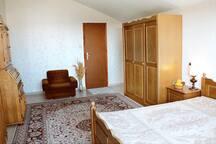 4rd floor bedroom, 1 double bed, 1 bathroom