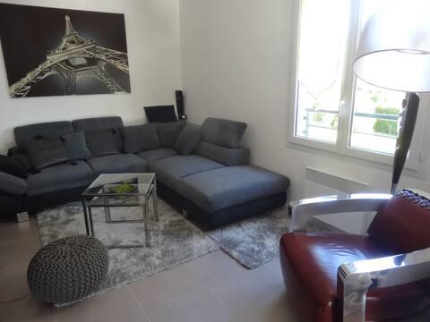 Chambre dans résidence privée récente