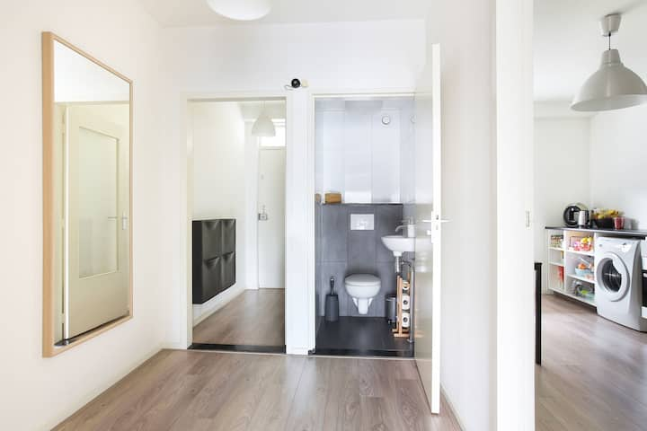 Spacious, warm apartment next to Eindhoven centre