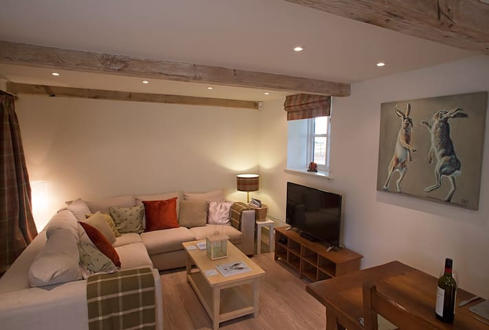 The Old Coach House, Down Hall- a rural retreat!