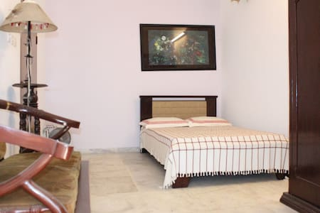 Safe and comfort flat at Gulshan-1 - Dhaka - Appartement