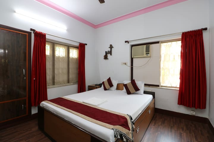 Deluxe cozy room near City Centre | Saltlake