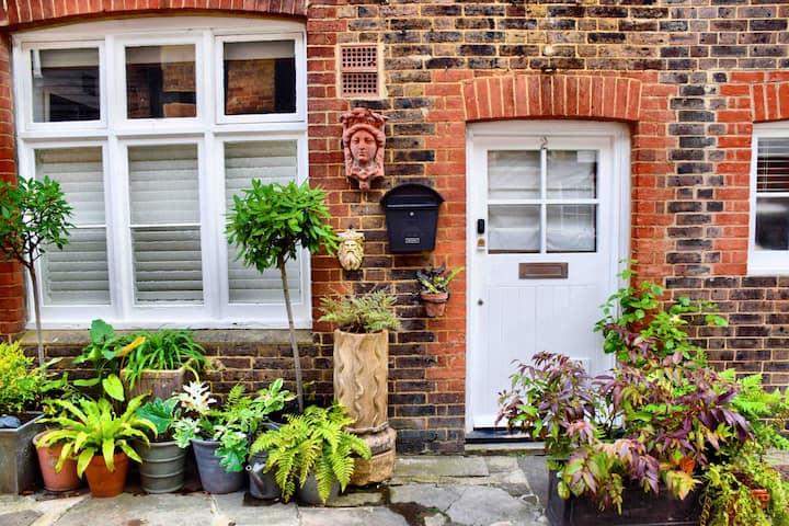 Hidden gem in the heart of historic Horsham Sussex