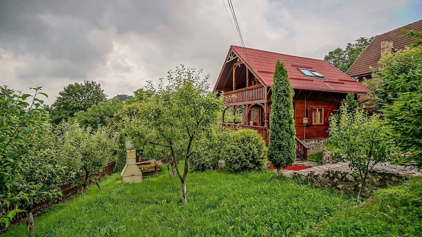 Chalet near the forest, close to Brasov - Săcele - Lomamökki