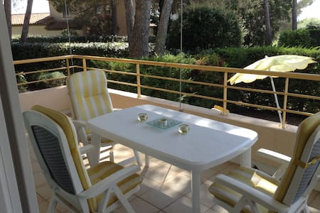 Appartment with comunal pool and private garden - Saint-Raphaël