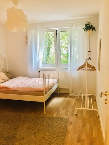 THE DREAM ROOM - zentral und hell
