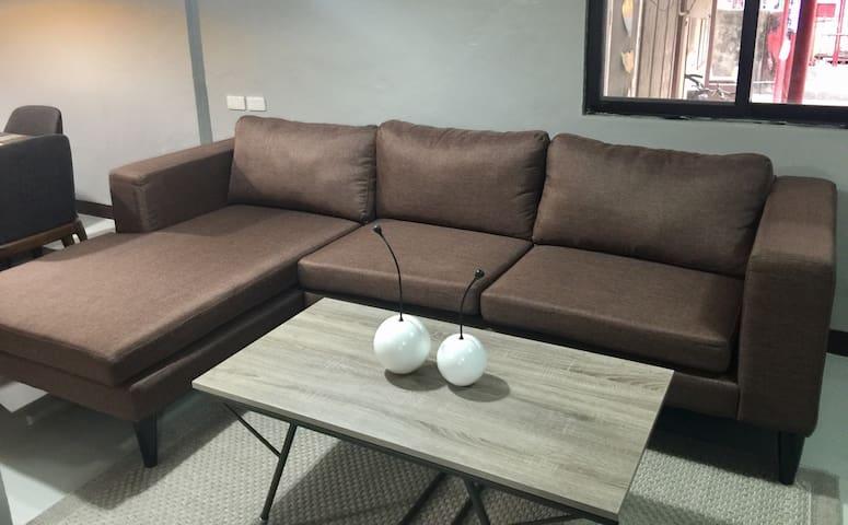 A cozy 2-bedroom bungalow