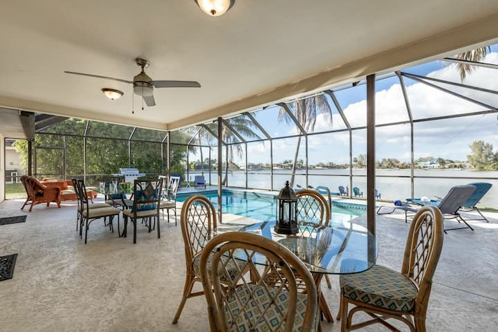 Roelens Vacations - Lake House at the Cape - Cape Coral