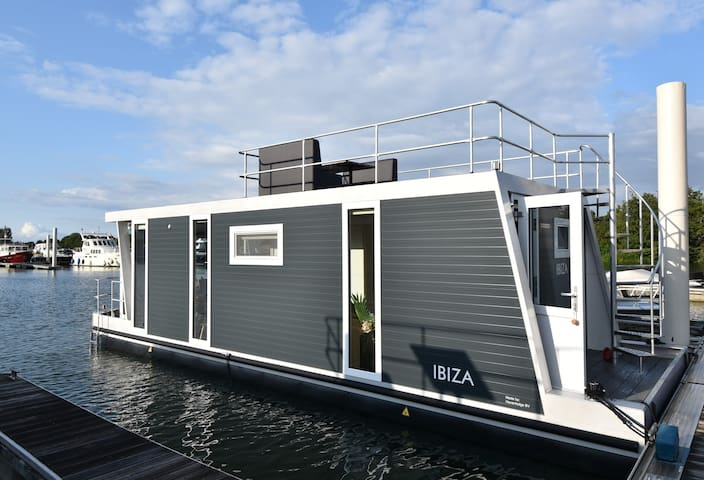 Floating Boatlodge Ibiza, tiny house, max. 4 p.