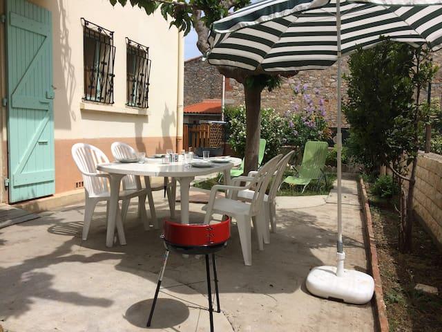 """Gite""""chouette coquette"""" T2 rdz /jardin terrasse - Salses-le-Château - House"""