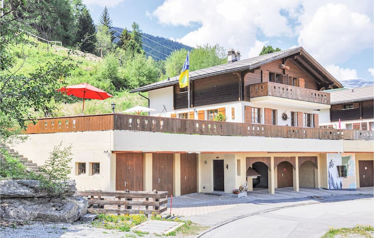 Semi-Detached with 2 bedrooms on 120m² in Bürchen