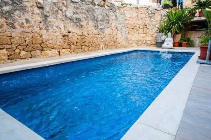 Luxurious House in the coastal Sliema town