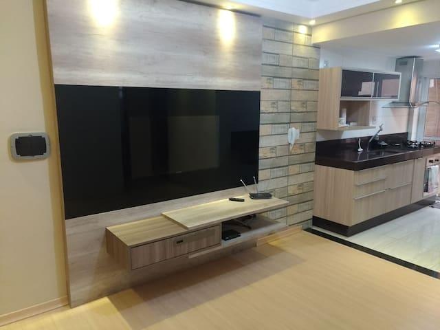 Apto 2 quartos, área de churrasqueira Varginha/MG