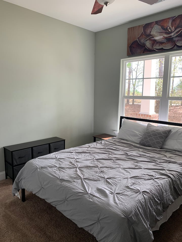 Comfy room, great for Augusta university student.