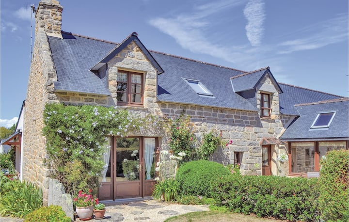 Nice home in Trégunc with WiFi and 3 Bedrooms