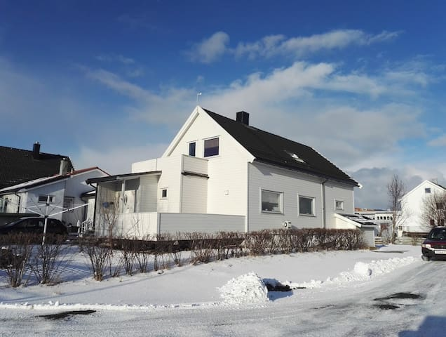 Cosy loft; 3 rooms and bathroom in central Bodø - Bodo - Loft