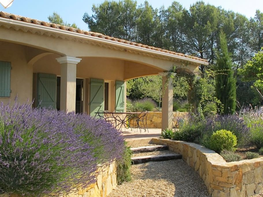 VILLA WITH LAVENDER BEDS