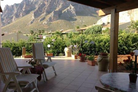 Casa vacanza Villa Orizzonte Bilocale con veranda - Cornino