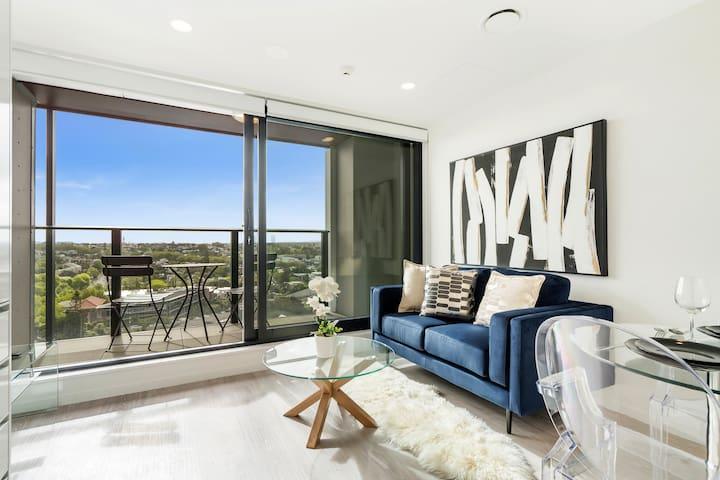 Designed Luxury CBD Brand New 1 Bedroom Apartment