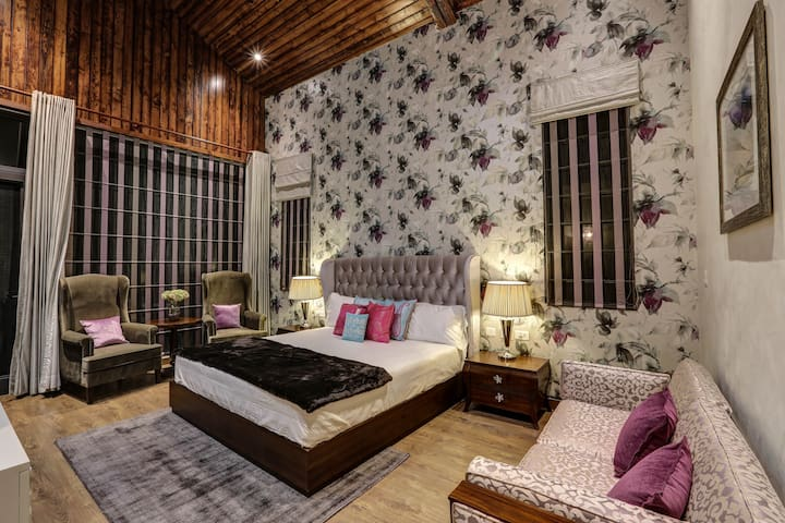 The Hermitage: Emerald Villa - Suite 2 - Kasauli - 別荘