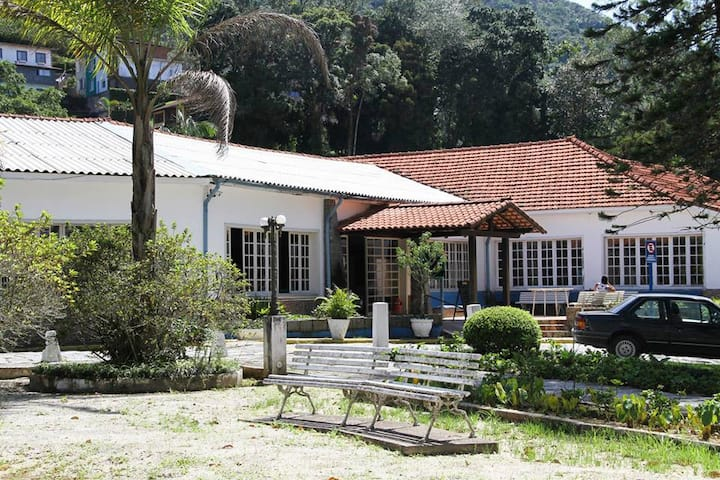 Linda casa em Petrópolis próximo ao Centro.