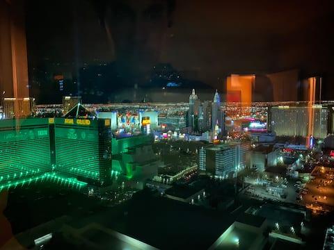 MGM Signature corner 1 Bd penthouse 36th flr condo