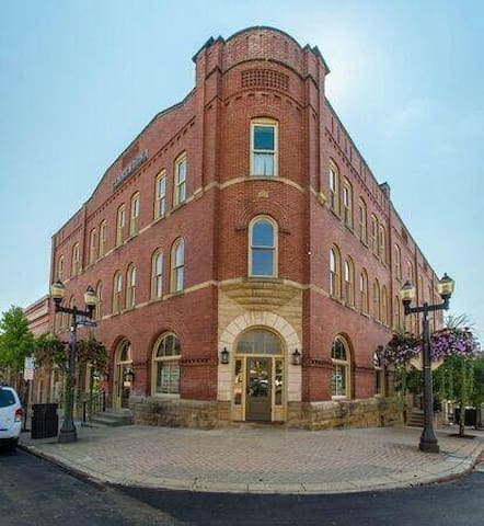 Downtown St. Clairsville Apartment
