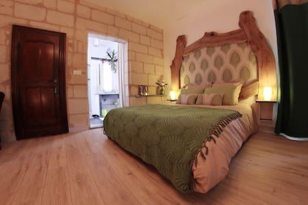 B&B Beaulieu La Source - Chambre Olea - Saumur - Bed & Breakfast