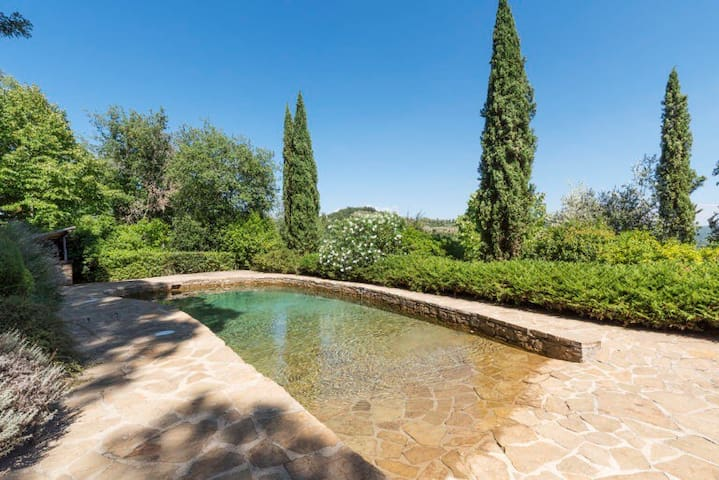 Exclusive, luxury Tuscan country retreat and villa