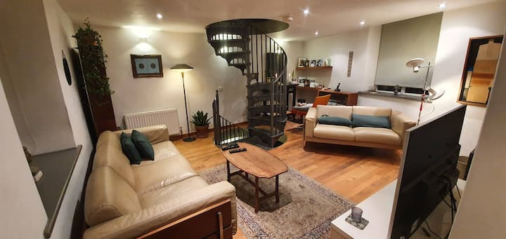 Boutique Cottage in the heart of Hayfield Villiage