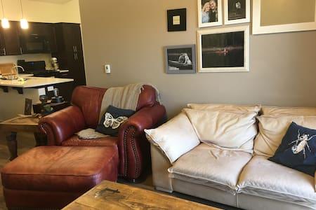 Eclectic Hilltop Private Apartment in Lehi - Lehi - Apartment