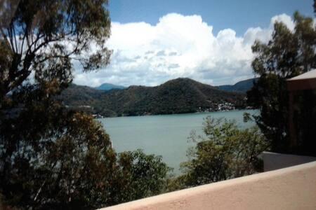 Departamento 6 personas vistas lago - Valle de Bravo
