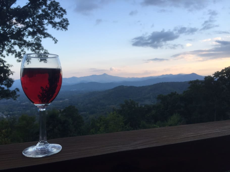 This view provide a great backdrop for a relaxing evening