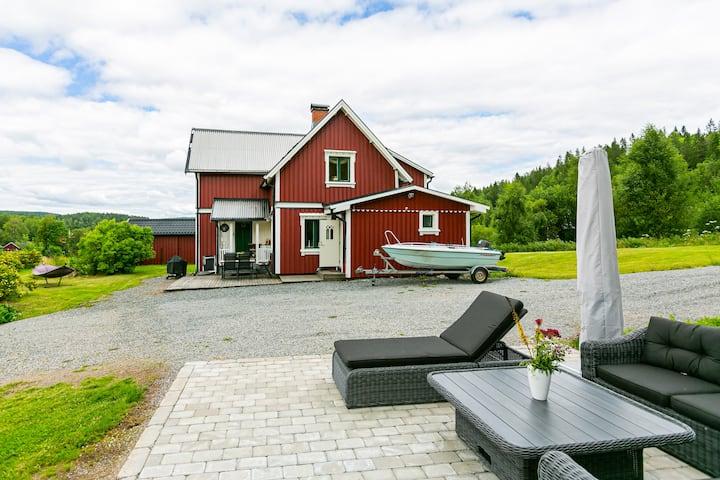 Ett charmigt hus med vacker utsikt