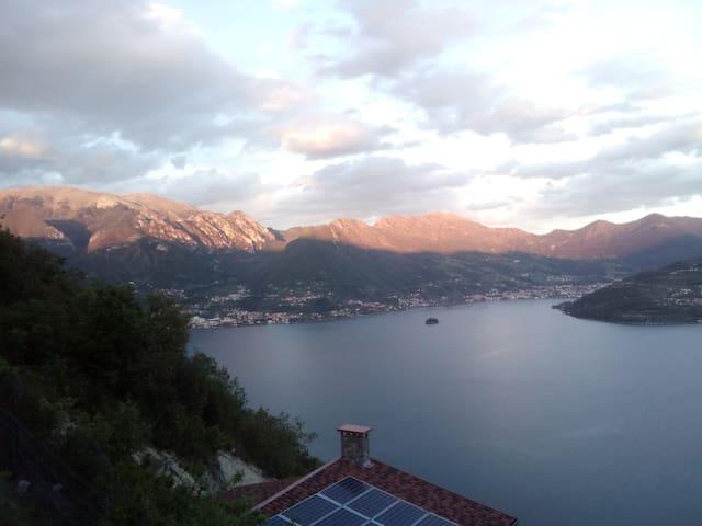 stupendo appartamento con vista romantica sul lago