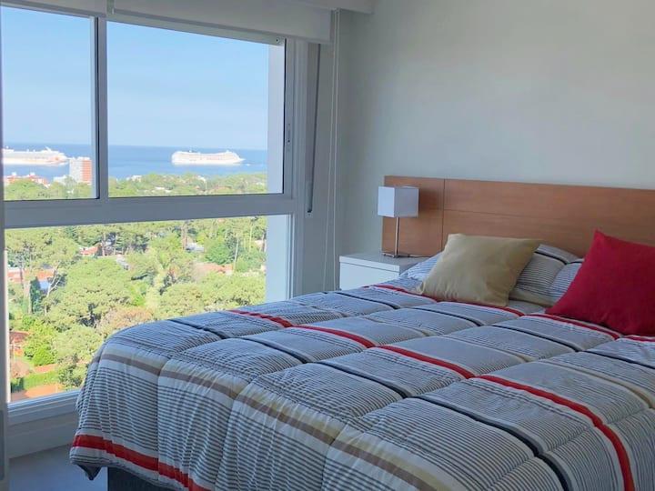 BRAND NEW! Beautiful view, WiFi, amenities, AC!