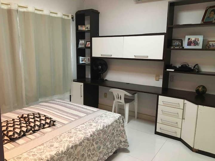 Suite01(em casa de Condomínio Privado Alto Padrão)