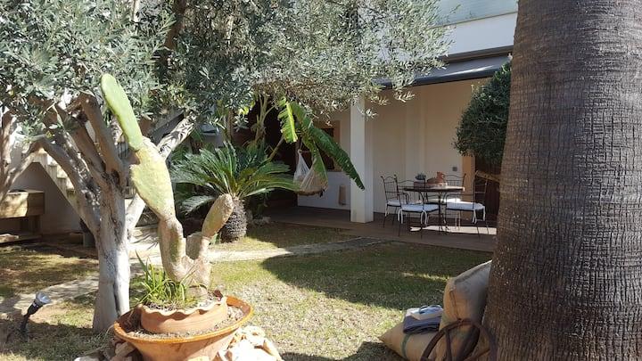 Cubic House Garden, Cala Morlanda.