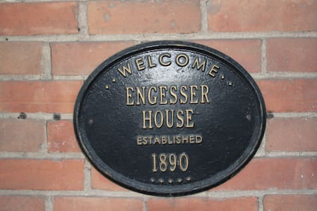 Historic Engesser House, Sleeps 8 Near Gustavus