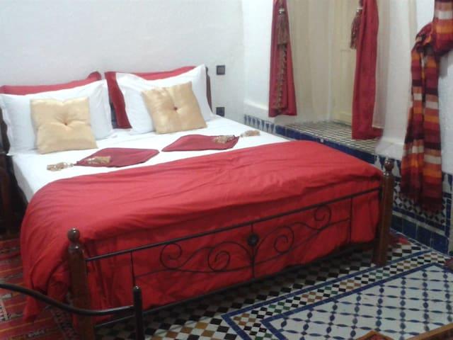 Chambre Latifa / Khadija in Riad Azrou