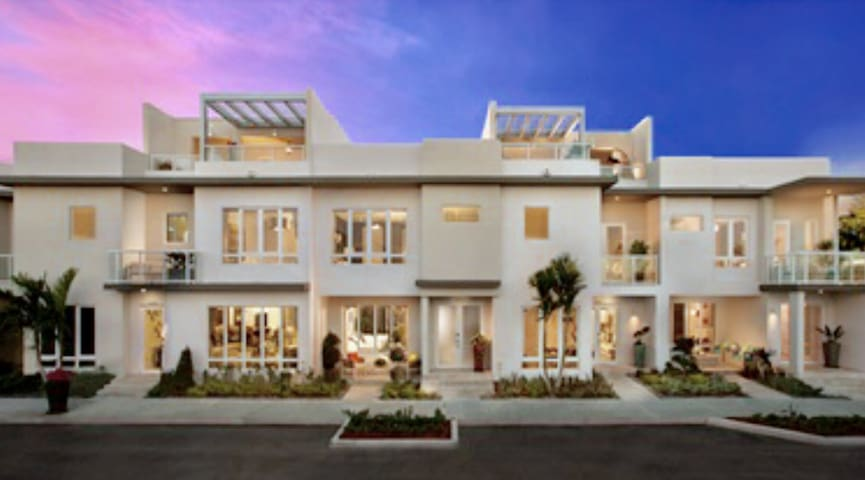LUXURY HOME NEARBY MIAMI MAIN ATRAC - Doral - Casa