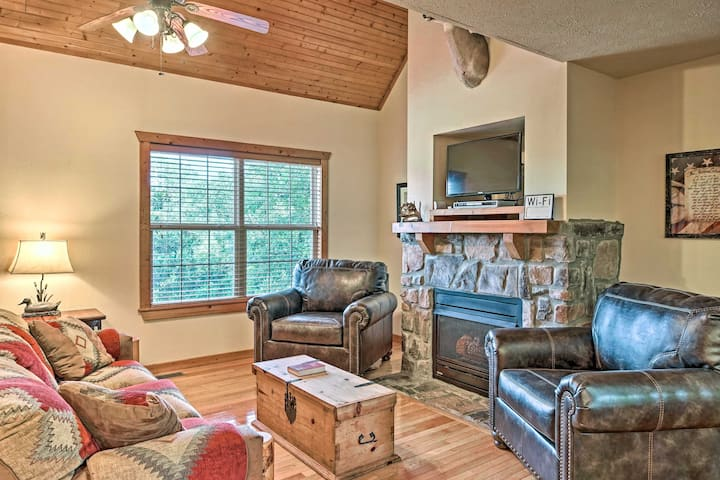 NEW! Patriot Lodge w/ Pool by Silver Dollar City!