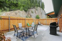 Waterfront 2 Bedroom Fully Equipped Private Suite