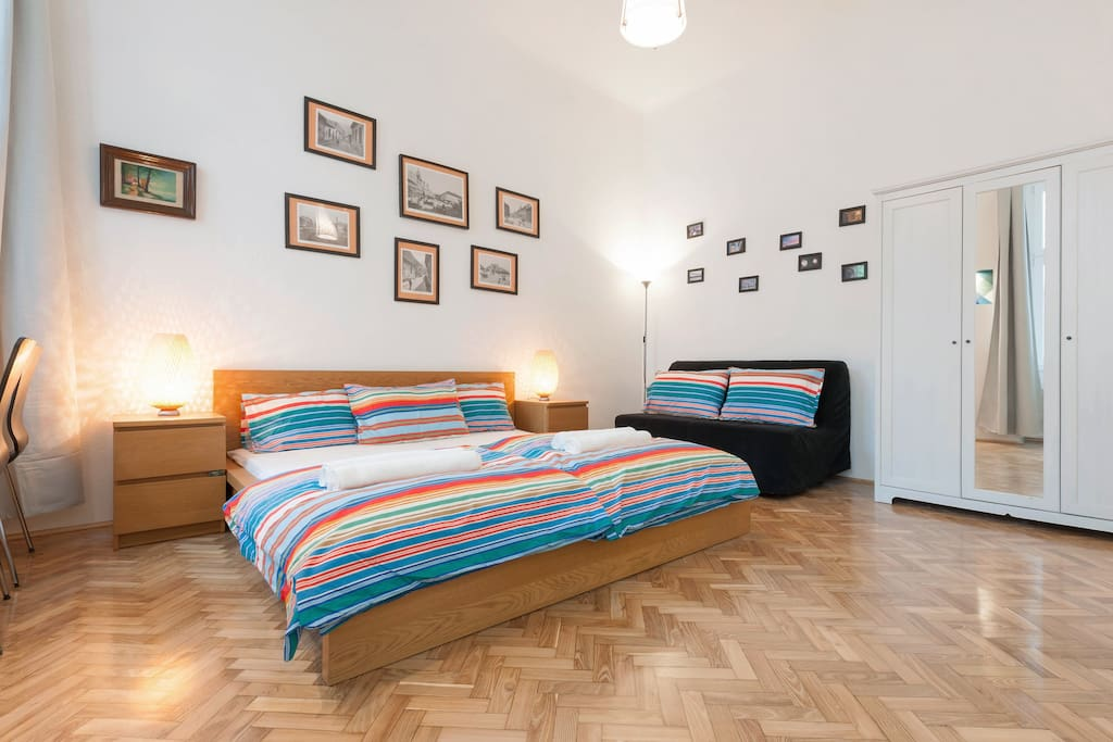 the apartment has 4 separate bedrooms, each room has a comfortable and big double bed and 2 extra beds to make it possible to sleep up to 4 persons in each room, all the bedding and towels are included