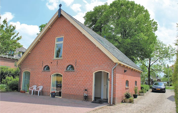 Beautiful home in De Meern with WiFi and 3 Bedrooms
